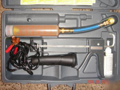 New Brand A C Snap On Leak Detector Kit
